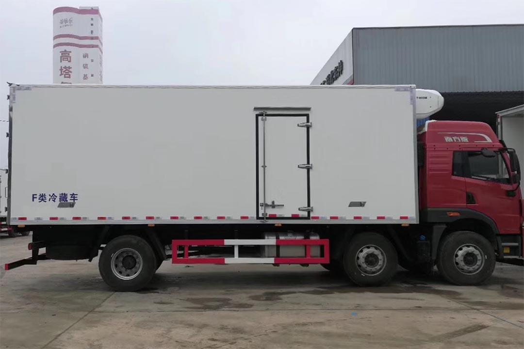 解放悍V三桥冷藏车CA5250XLC