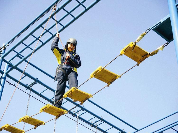 戶外高空拓展訓練項目:緬甸橋