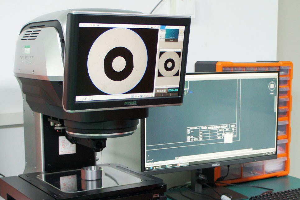 KEYENCE 3D寸法測定器 4