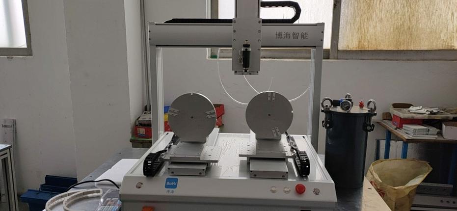 点胶机设备在电磁炉点胶的工艺介绍