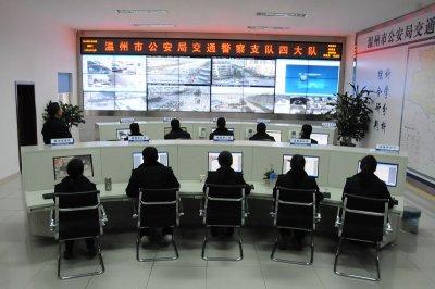 浙江3X8液晶拼接监控显示墙_温州交警大队液晶拼接屏项目