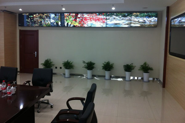 会议视频显示拼接屏_辽宁大连中石油集团会议室液晶拼接屏项目