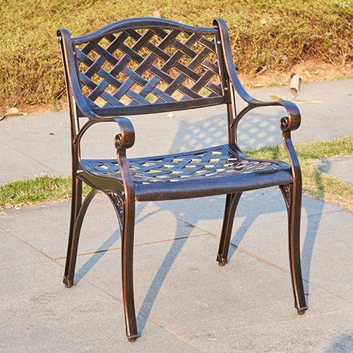 Cast aluminum chair / Литой алюминиевый стул