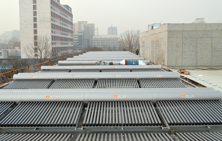 中日友好醫院無動力太陽能熱水系統