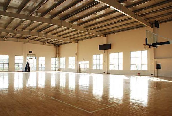室内篮球场1