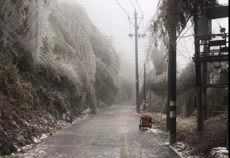 无畏风雪纵横人,保护通信有我们!