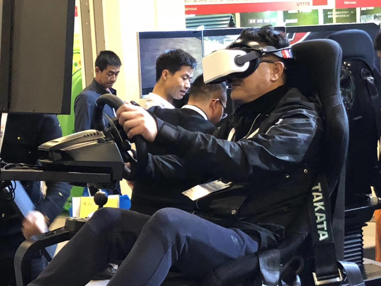 掌网新品星轮V8首秀,引爆北京游乐设施展