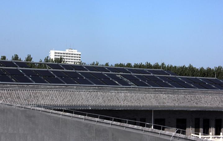 北京工业大学耿丹学院太阳能热水系统
