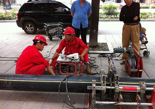 电熔焊机施工