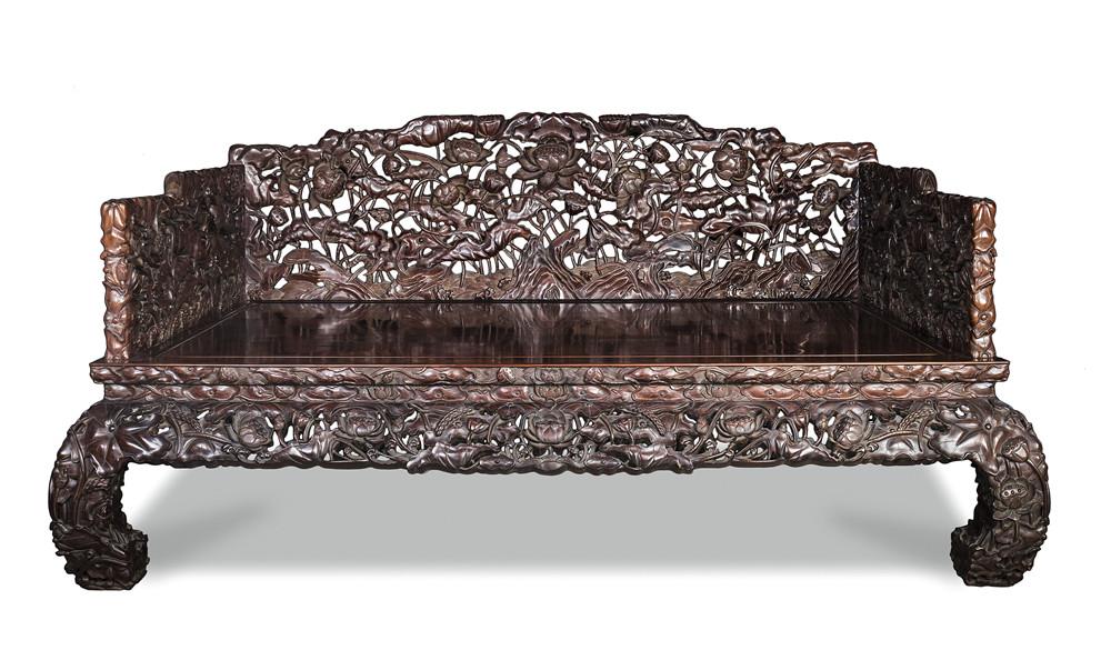 清 红木镂空满雕花卉纹罗汉床(配炕几)