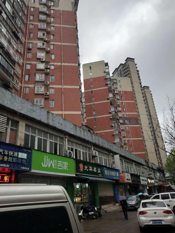 江汉万达商圈小区餐饮面馆低价转