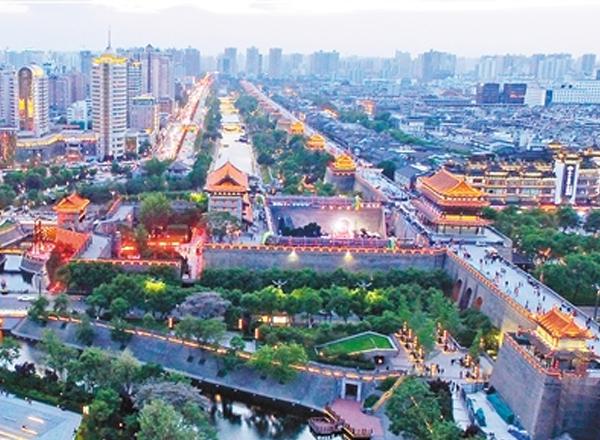 积极落实三级河长制 护城河畔风景如画