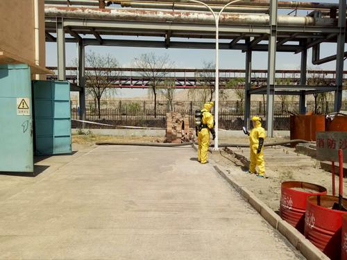 兰州奥福进行酸碱系统泄漏应急演练