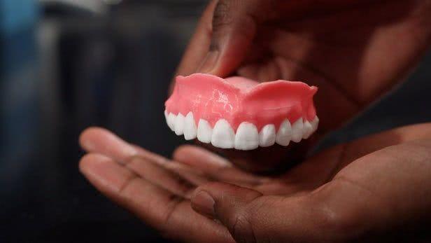 能释放药物的3D打印假牙可以杀灭口腔真菌