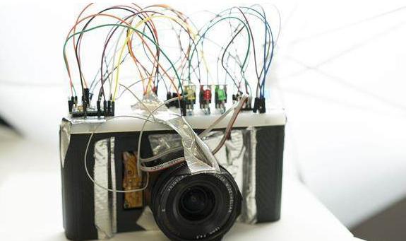 3D打印相机Lex将经典35毫米胶片与现代索尼镜头相结合