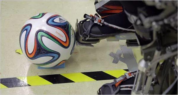 3D打印逆天!助病患康复,开世界杯第一球!