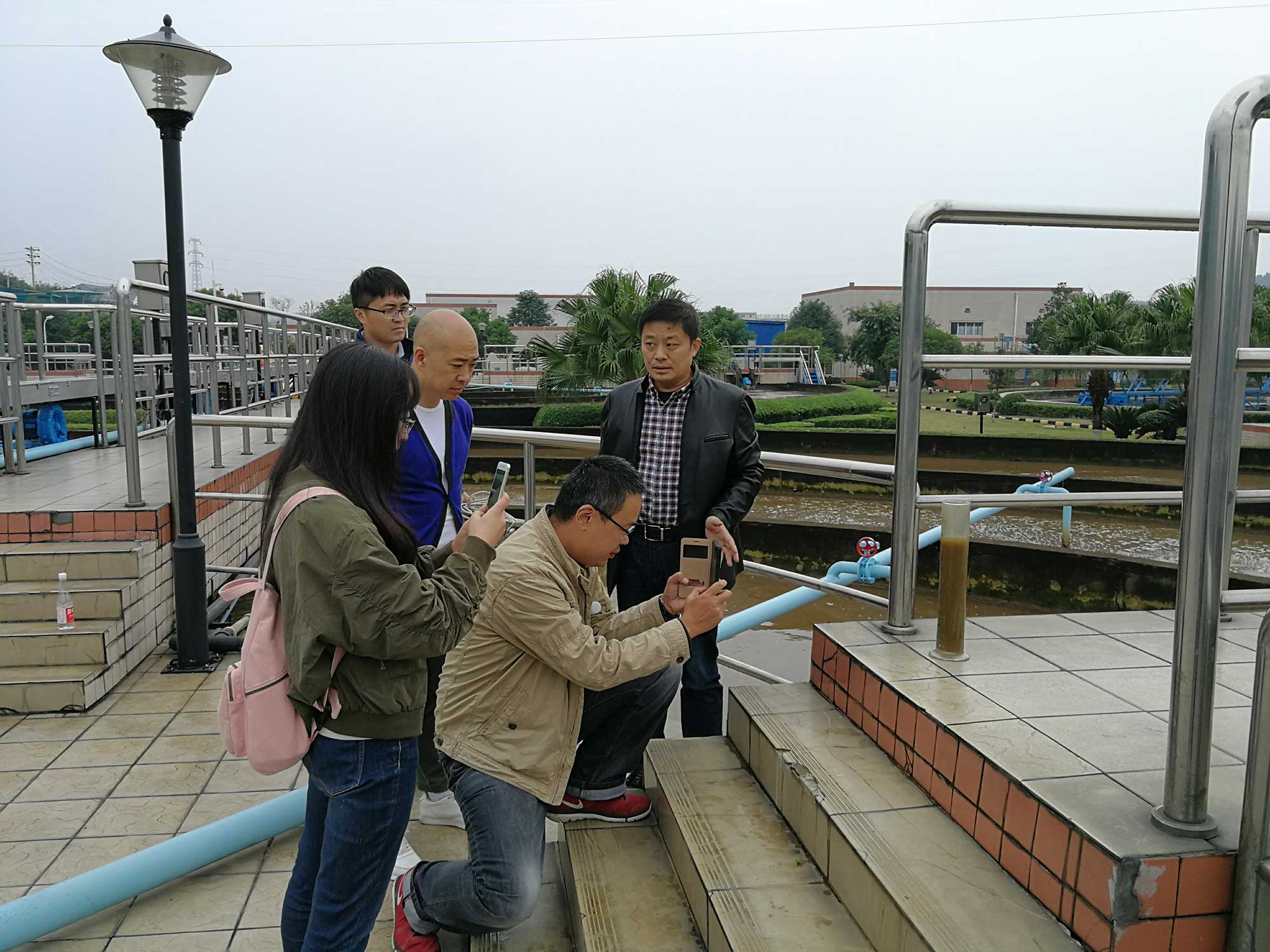 2017年9月成都排水公司领导视察我公司雷竞技App雷竞技电竞项目