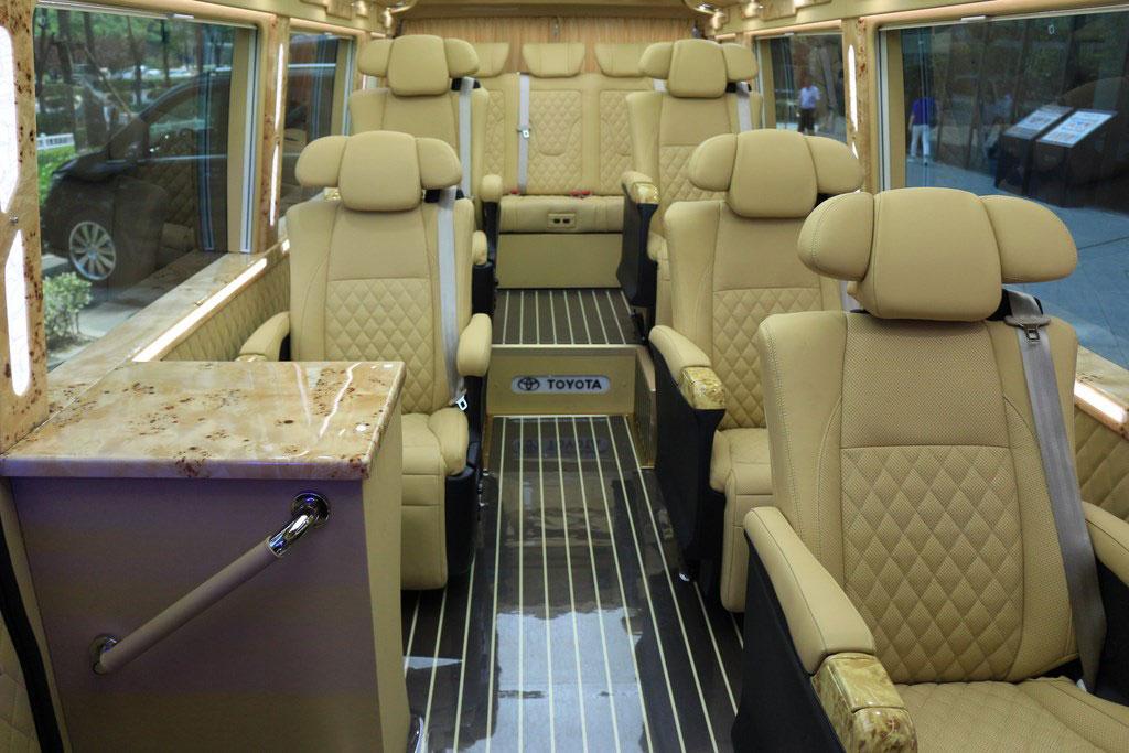 豐田|考斯特豪華商務車