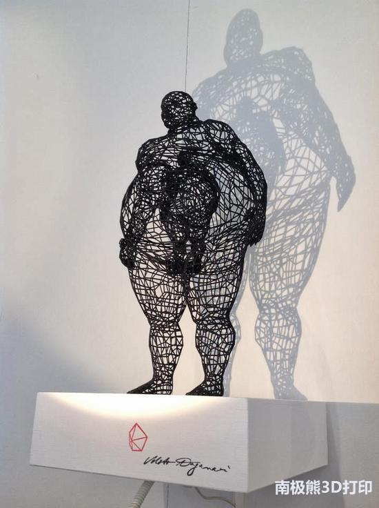 半固态,半阴影:Moto的3D打印线框雕塑