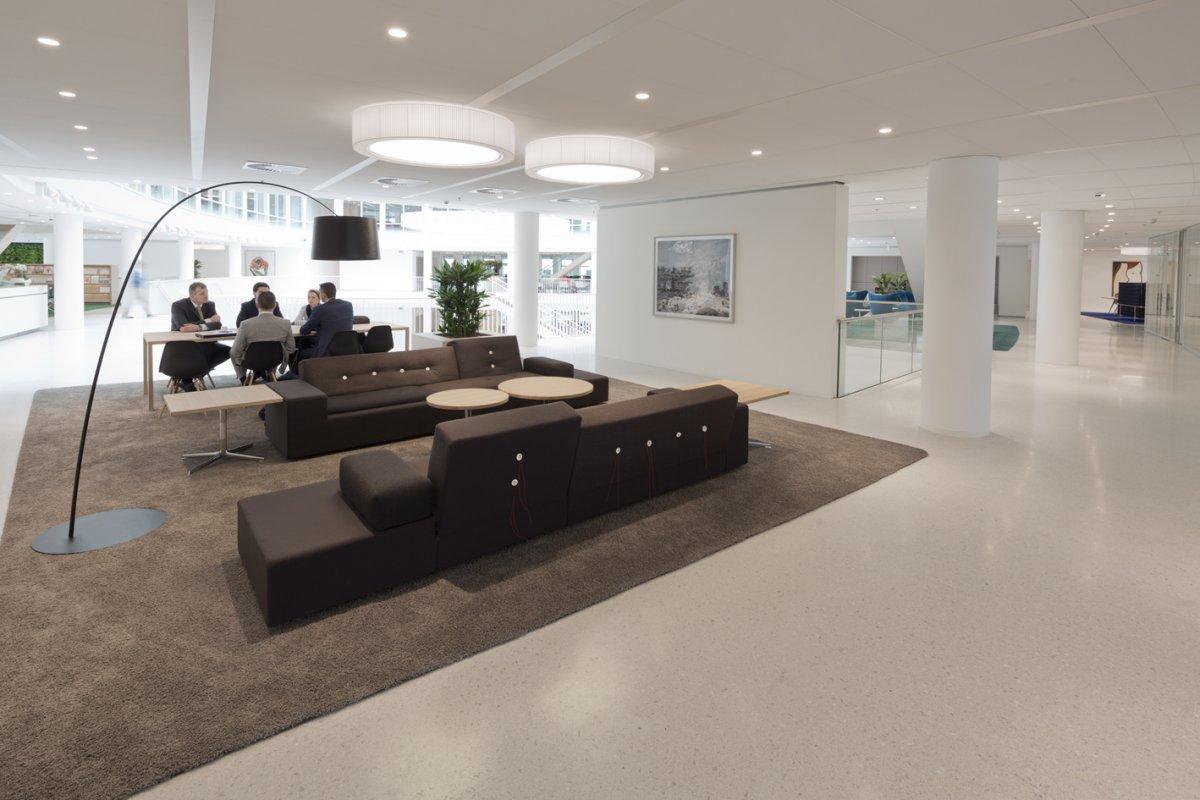 高性价比办公采购策略----多区域同款多色家具