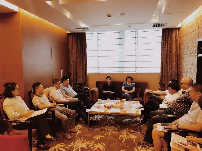 完善部门职能建设,探索持续造血发展模式 ——kok登录第五次常务会长会议召开