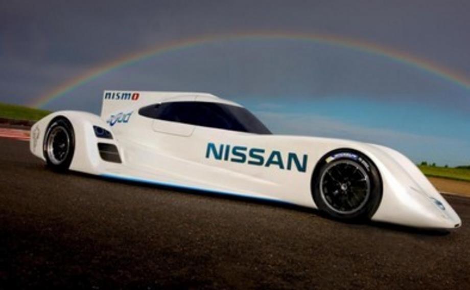 英国大叔用3D打印技术, 打造一款遥控车, 时速超200公里