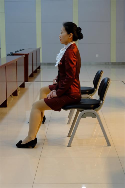 行为规范—坐姿