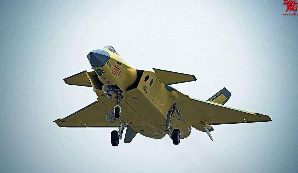 歼15重大贡献罕见披露:因为它,3D打印钛金战机成现实