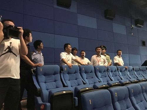 望城區副區長劉洪波一行蒞臨我司檢查安全工作