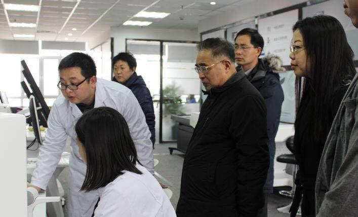 中国工程院院士张伯礼莅临慧医谷科技考察指导