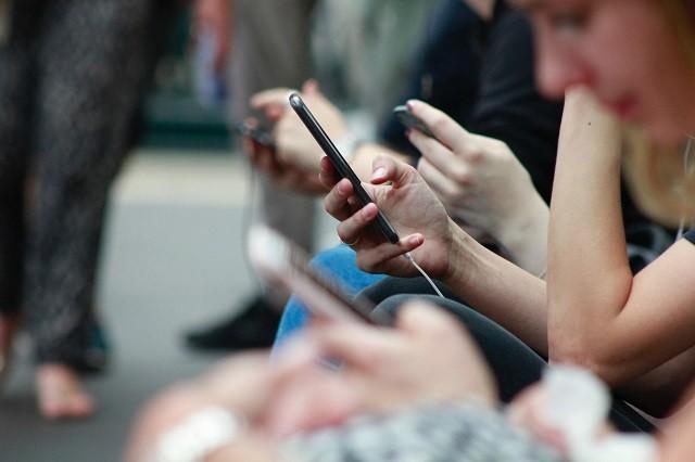 雨桥视频:每天刷手机的你,都在看些什么呢?