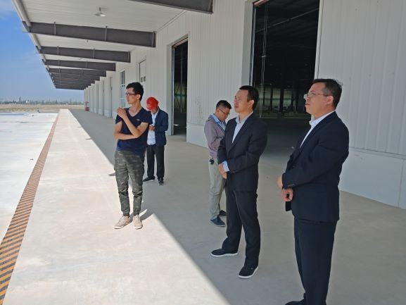 兰州新区商务和旅游局领导莅临西北金属仓储物流园考察调研