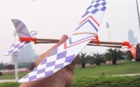 制作橡皮筋动力飞机