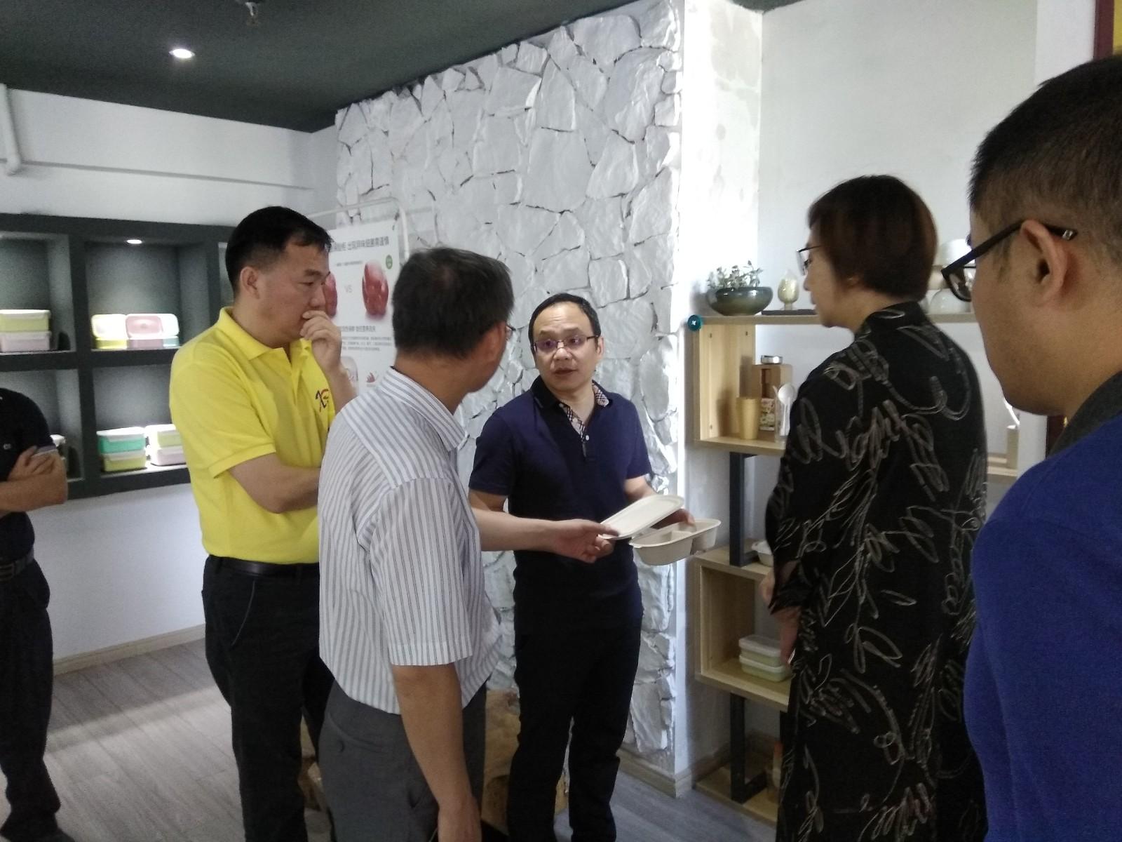 中国塑协降解塑料专委会翁云宣秘书长来我公司调研指导工作:生物降解塑料增性能、降成本迫在眉睫!
