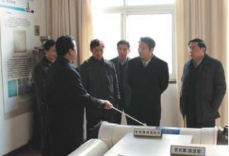 2010年,中国中钢集团总裁贾宝军来院 视察指导工作