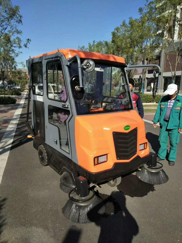 河南建业鄢陵分公司用的什么电动扫地车