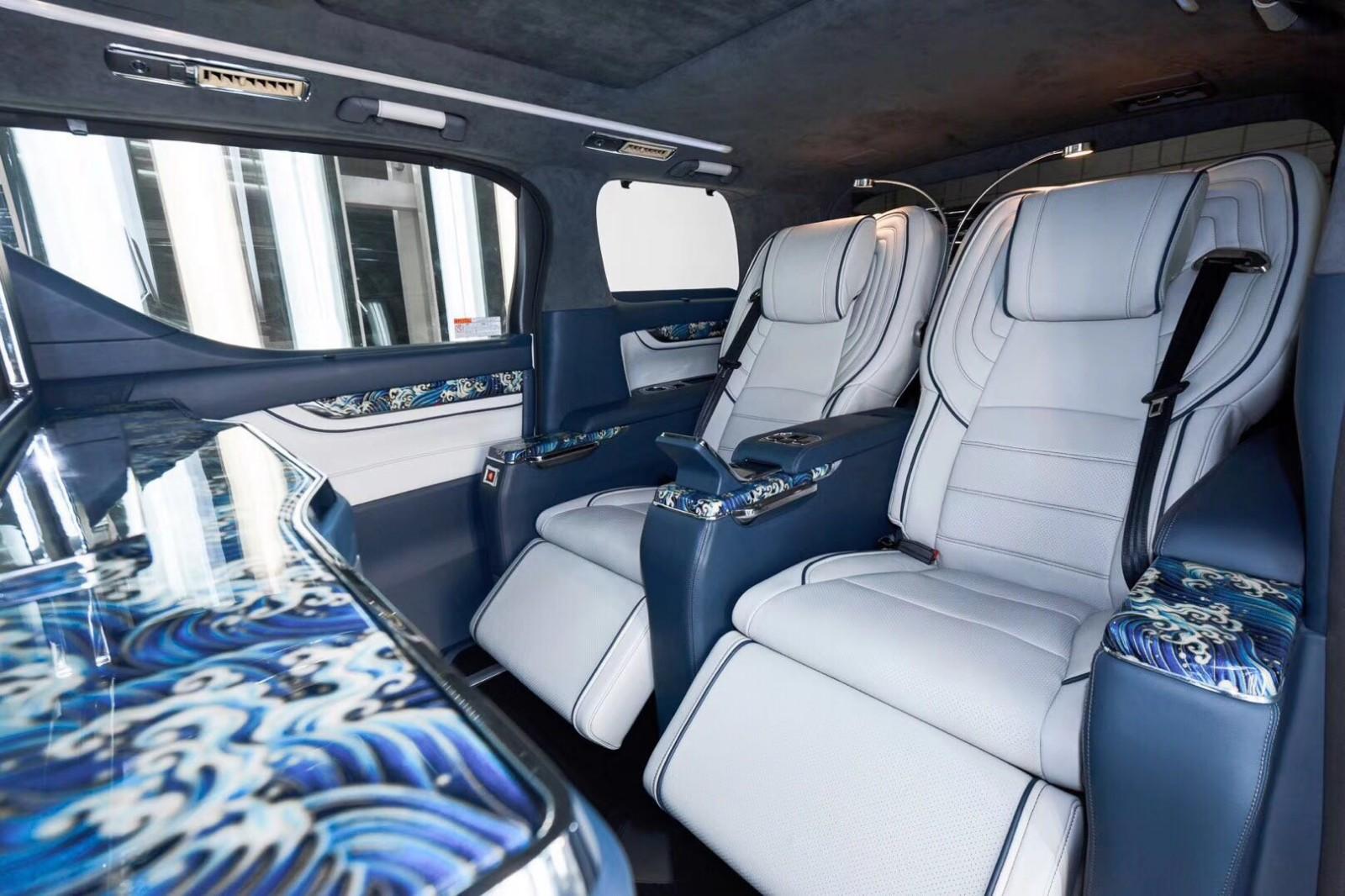 豐田|埃爾法海洋版改裝總裁版商務房車