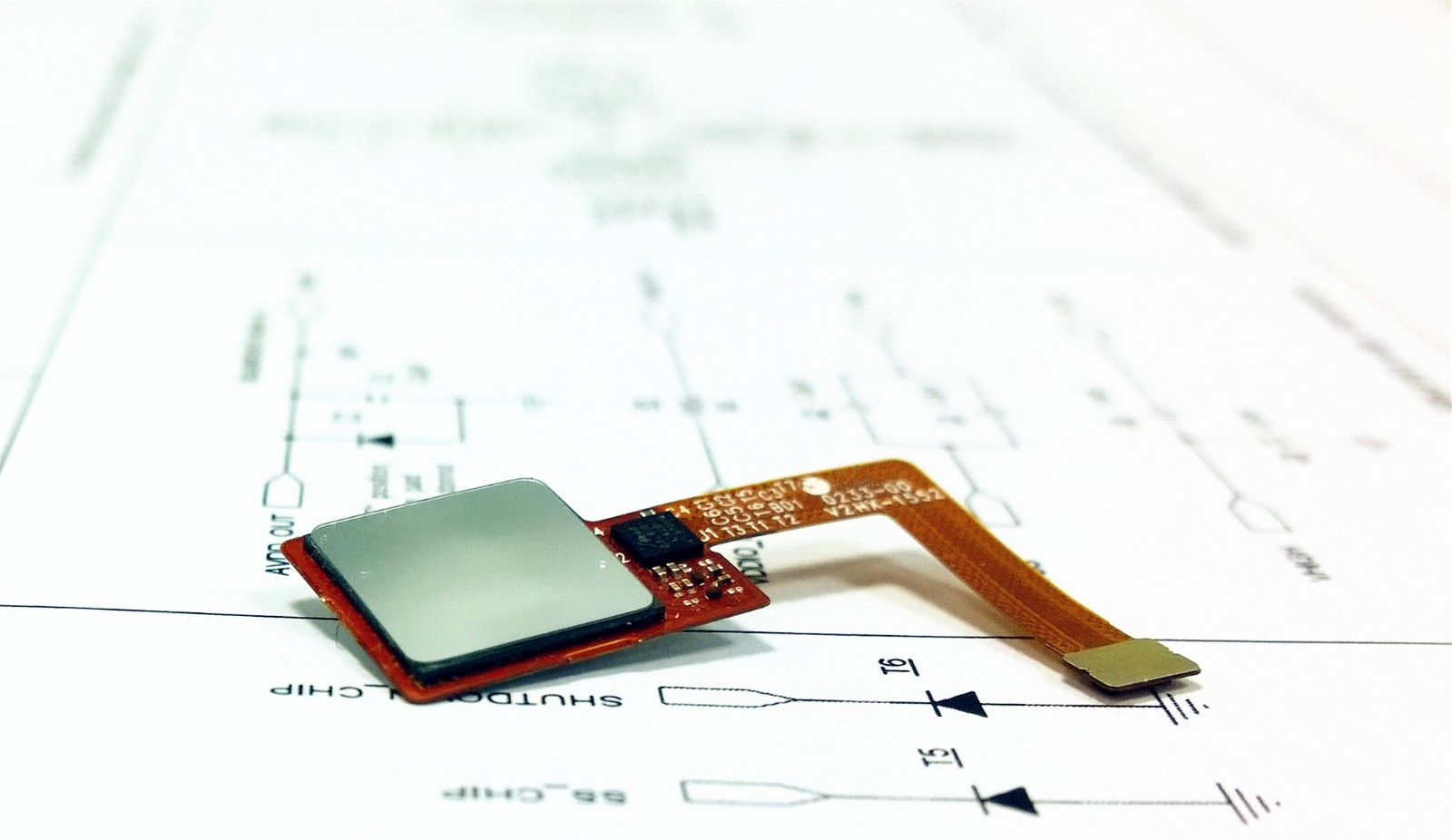 自、互容觸控屏控制芯片
