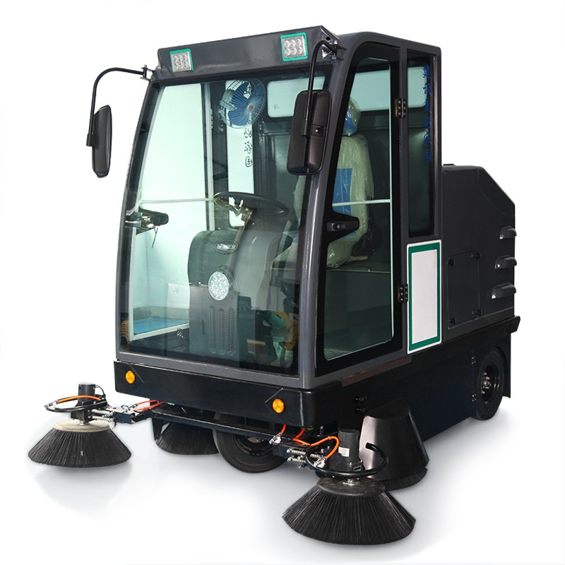 WJS-SD7驾驶式五刷扫地车