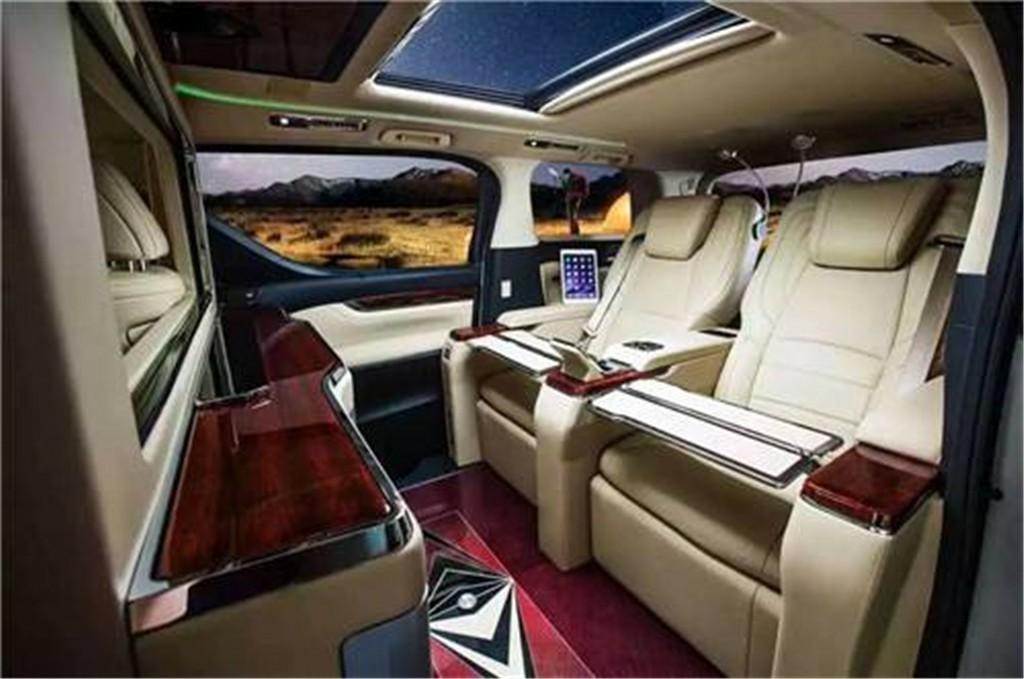 豐田|埃爾法皇家麗莎商務房車
