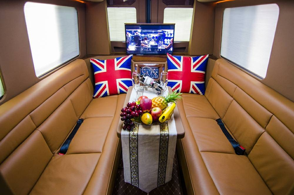 奔驰|斯宾特外白AM对座沙发商旅房车