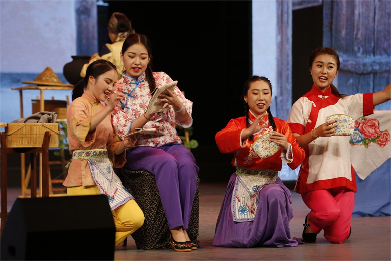 山歌荡起记忆必发88游戏手机登录网址音乐系民族歌剧《刘三姐》精彩上演