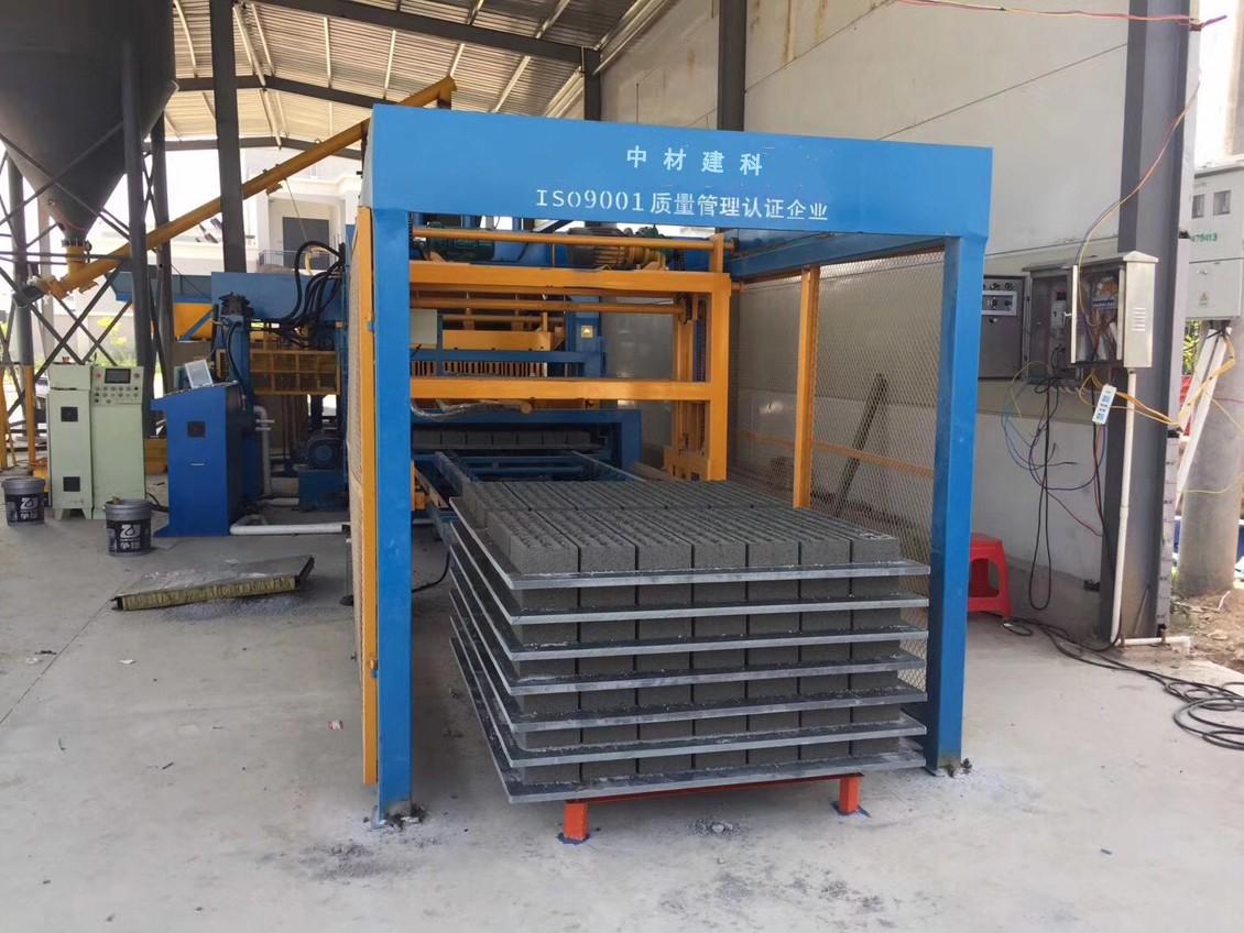 透水制砖机设备利用率高,可让建筑垃圾得到再次利用