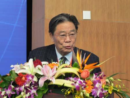 主持人:中国全国人大法律委员会副主任委员王茂林