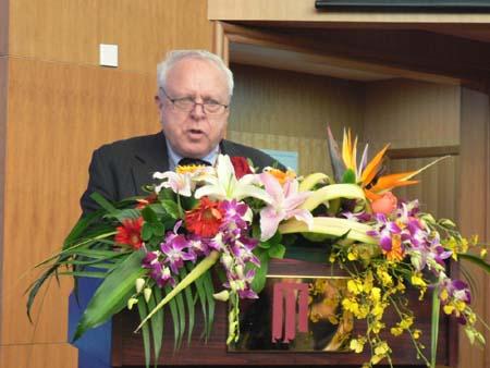 联合国全球契约组织高级顾问杜比宣读沙祖康的贺辞