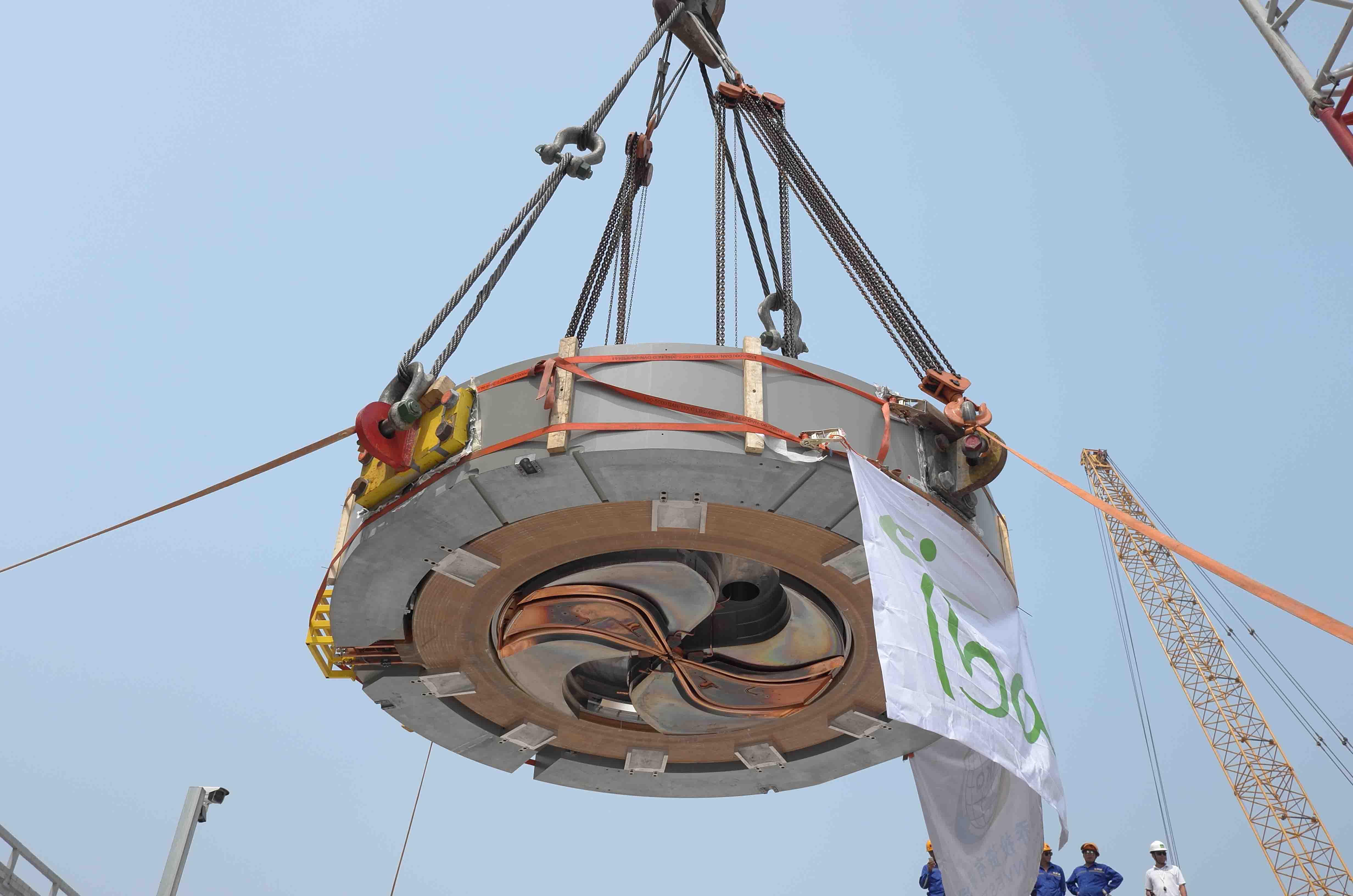 2016年 涿州301医院质子加速器吊装