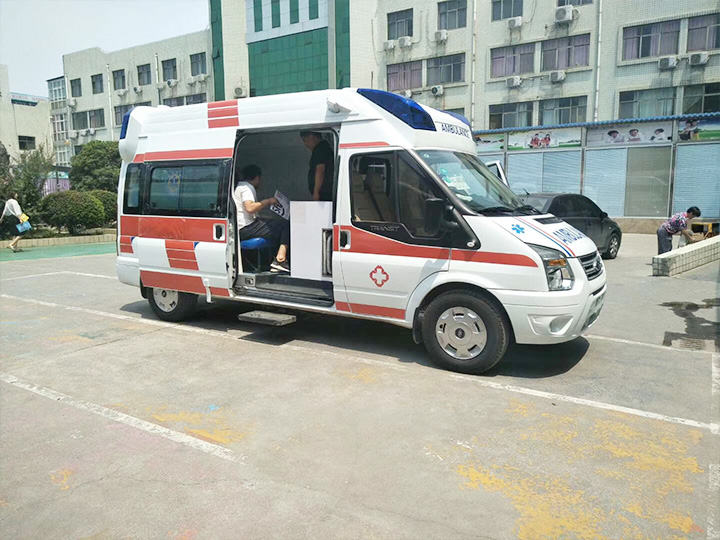 監護型救護車交付醫院使用
