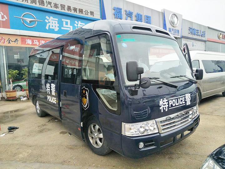 九龍C6警用車交付客戶使用
