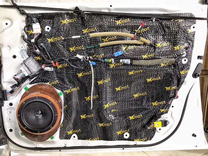 丰田陆地巡洋舰改装德国HELIX音响 倾情奉上Hi-Fi级的听觉盛宴