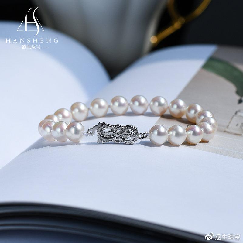 佩戴珍珠手链的3大搭配技巧